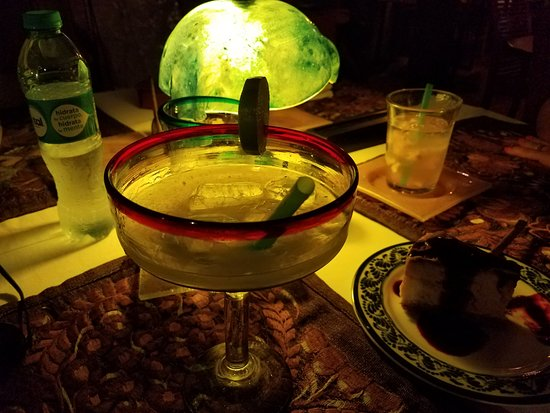El Chapulim: Margarita and desert....why not, I'm on vacation