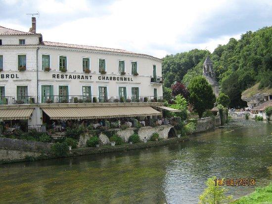 Hotel Restaurant Charbonnel Photo