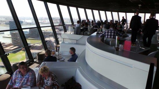 mooi uitzicht en prima eten en goede huiswijn. - foto van euromast