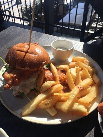 노스 쇼어 시티, 뉴질랜드: 동생과 브런치먹고왔어요. 커피는 솔직히 커피랩이나 알투라랑 비교할수없지만, 몰안에서 찼을수있는 가장맛있는 음식과 좋은커피 카페라고 생각합니다!