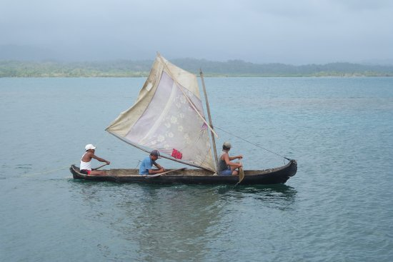 Capurganá, Colombia: Traditional Guna boat used for fishing and transport of coconuts.