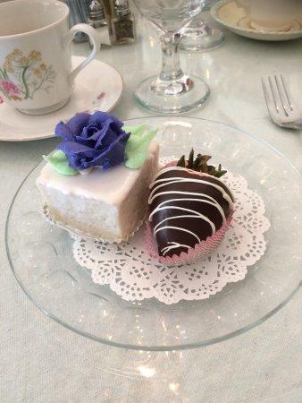 Chocolate Angel Cafe and Tea Room: photo2.jpg