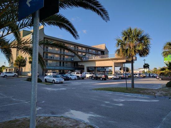 Beachside Resort Hotel: IMG_20170513_184814_large.jpg