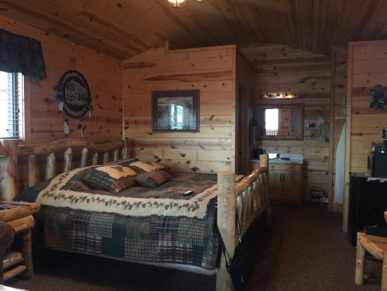 Frontier Cabins Motel: photo0.jpg