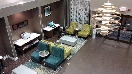 Hampton Inn & Suites Fort Myers Beach / Sanibel Gateway: Lonby und Frühstückssaal