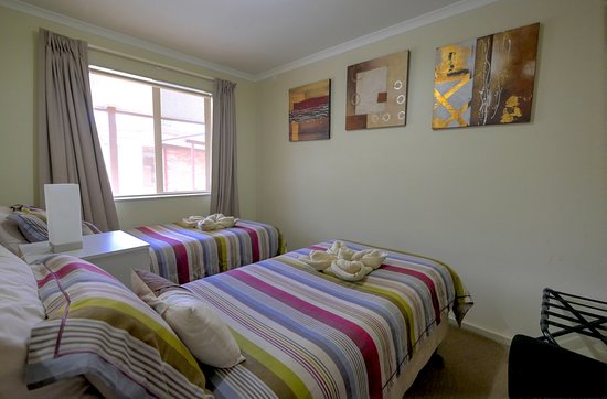 Ficifolia Lodge Kangaroo Island : Twin apartment two bedroom apartments with Queensize bed and two singles beds