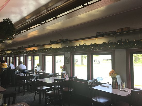 Mt. Rainier Railroad Dining Co.: Tables in the restaurant area