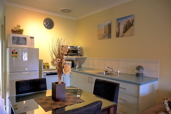 Parndana, ออสเตรเลีย: Two bedroom Twin Apartment fully equipped kitchen
