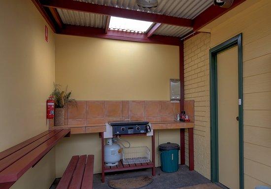 Parndana, أستراليا: Onsite BBQ area