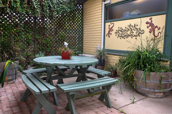 Parndana, Australia: Outdoor area for Queen Deluxe Apartment - private area