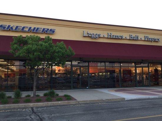 Johnson Creek Premium Outlets