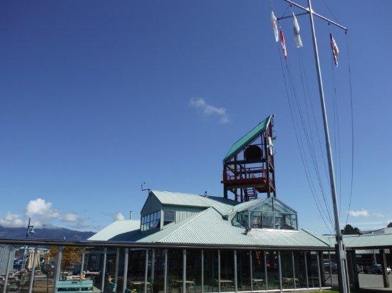 Port Alberni, Canada: TOWER CLOCK FROM AFAR