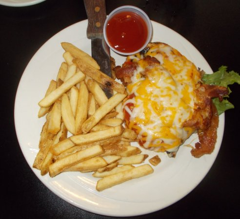 Orange, Вирджиния: BBQ smothered chicken