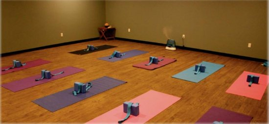 Grande Cache, Καναδάς: Hot Yoga studio, Fitness studio