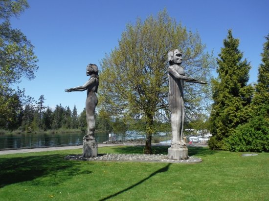 Port Alberni, Canada: Nuu-Chah-Nulth WELCOME FIGURES
