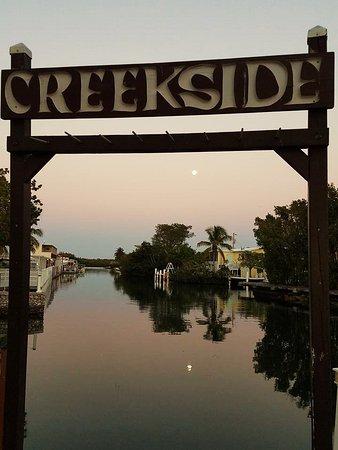 Creekside Inn Islamorada : A beautiful view of sunset on the creekside.