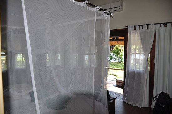 Rundu, Namibya: Bedroom directly entered from the porch.
