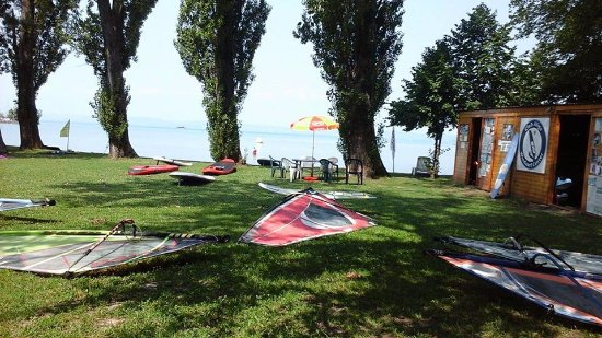 Balatonvilagos, Hongrie : SUP és SURF Center Balaton,sup bérlés,SUP bérlés Balaton,SUP Balaton,sup Siófok,sup túra,stand u