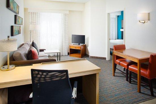 Residence Inn Dallas Park Central: One Bedroom Suite