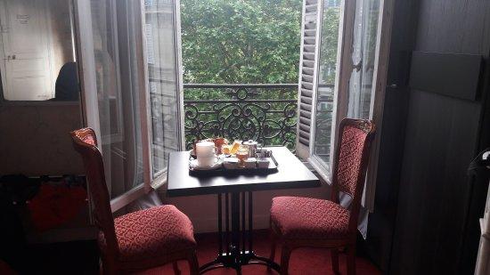 Hotel d'Argenson: 20170513_074546_large.jpg