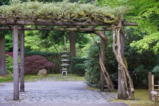 Love this wooden structure picture of portland japanese for Japanese garden structures wood