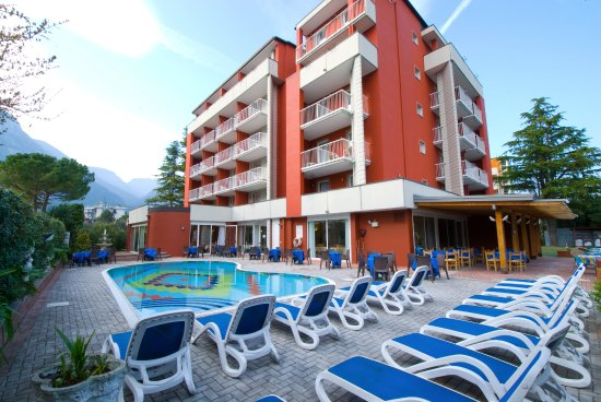 Hotel Royal Bewertungen Fotos Preisvergleich Riva Del Garda