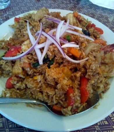 simply thai: SPICY SEAFOOD FRIED RICE. Can be a stand-alone meal on it's own.