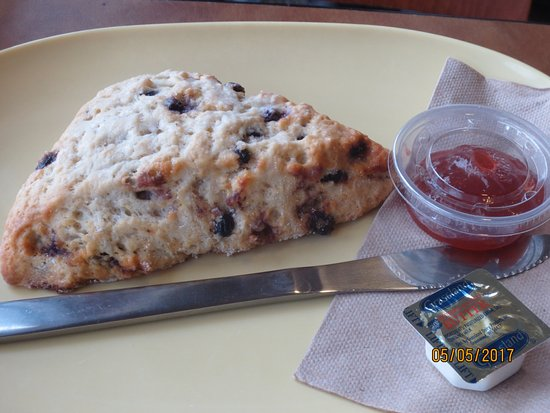 Wethersfield, CT: blueberry scone
