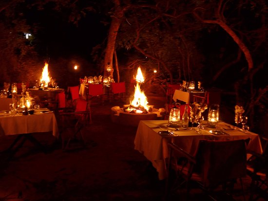 Sanctuary Makanyane Safari Lodge : Boma in the Bush! Incredible