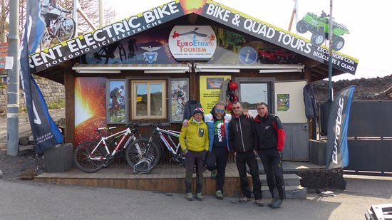 Nicolosi, Italy: Il team di Euro Etna Tourism