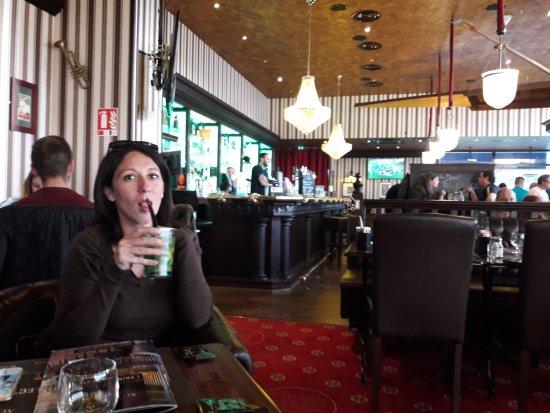 Boulazac, France: Apéro sympa avec des cocktails à 6€90,bien dosés.