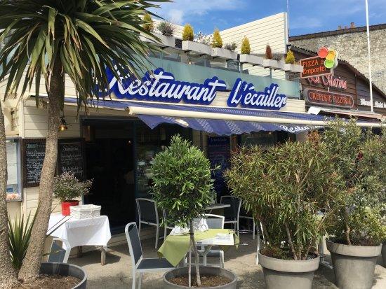Salle l 39 tage photo de l 39 ecailler port en bessin - Restaurant l ecailler port en bessin ...