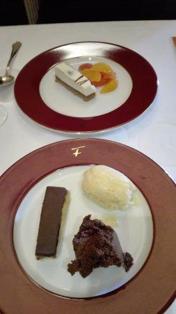 Auberge de la Roche : Chariot des desserts