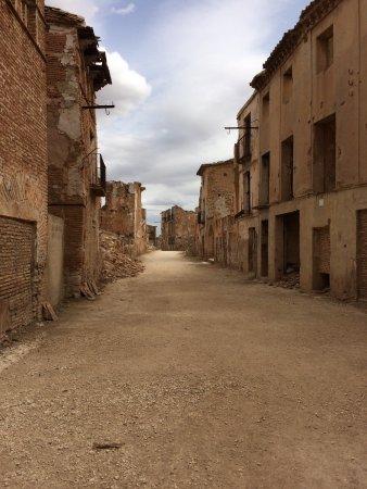 Belchite: Calle principal