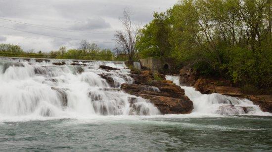 Ticonderoga, Estado de Nueva York: The falls