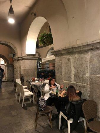 Picante Wine Bar