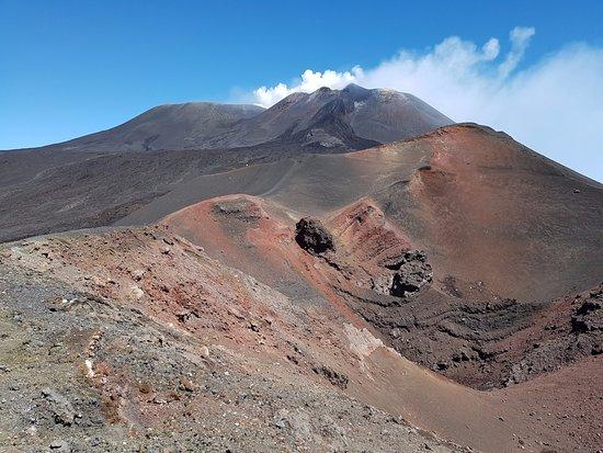 Ragalna, Italien: un cratère sous l'Etna