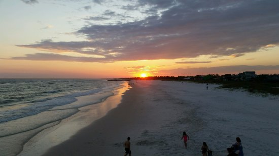 Mexico Beach, FL: Typical sunset from the Pier