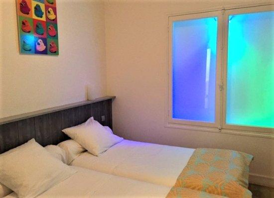 Hôtel le Clocher : La 2nde chambre  (2 lits simples)