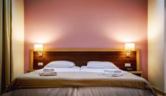 Iraklion Hotel: room