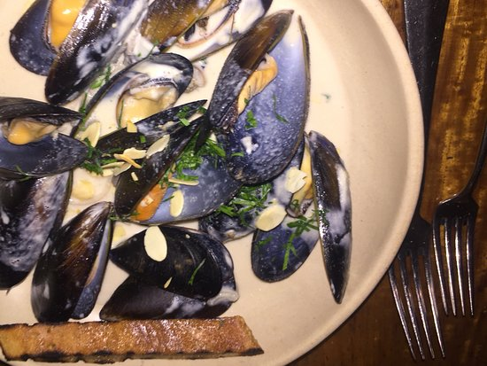 Ulladulla, Australia: Eden mussels entree