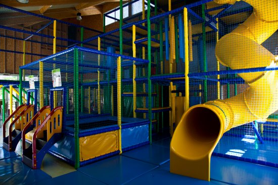 Plaine de jeux du Family Center © LE PRE BAS - Photo de Yelloh ...