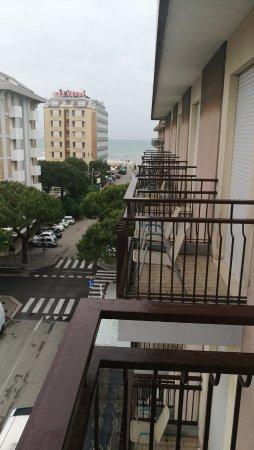 Hotel Oceanic: Balcony view room 403