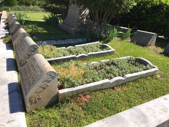 Oakland Cemetery: photo2.jpg