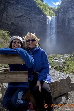 Trumansburg, NY: Taughannock Falls up close