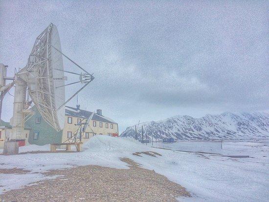 Longyearbyen, Noruega: Isfjord Radio - anybody out there?