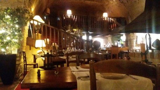 Montlouis-sur-Loire, France: salle de restaurant