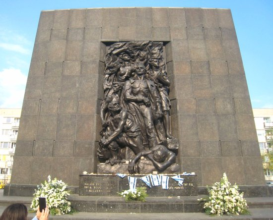 Jewish Ghetto Memorial : Outstanding symbol