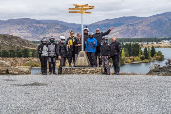 Paradise Motorcycle Day Tours: Our group!