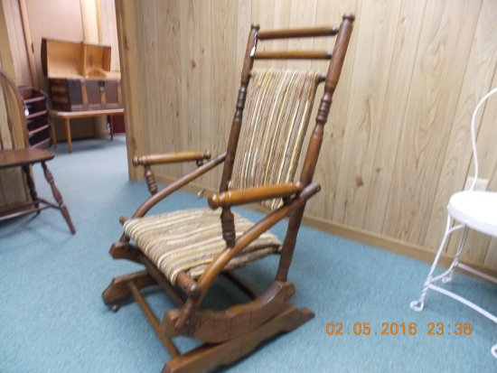 Wagon Wheel Antiques: Vintage Platform Rocker